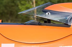 Kuomun mini visiiri. / Mini visor of the hood.